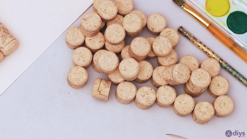 Wine cork wine glass decor (4)