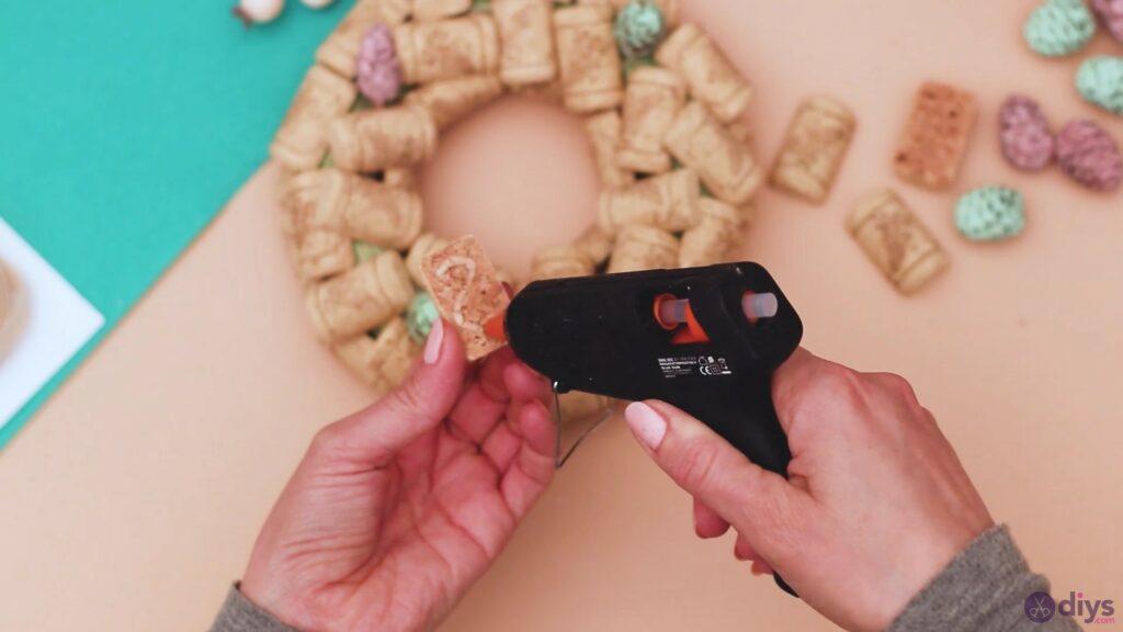 Wine cork wreath (15)