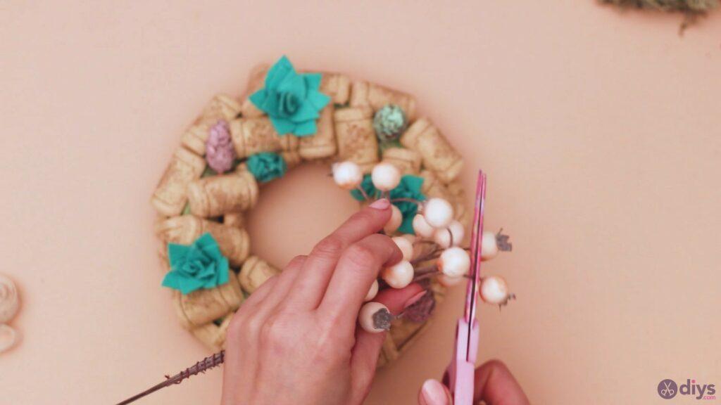Wine cork wreath (37)