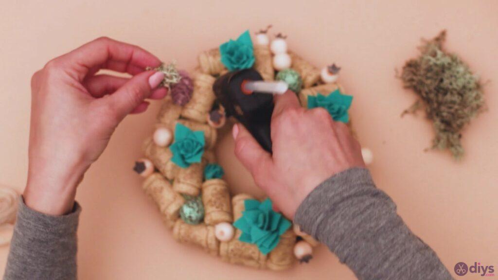 Wine cork wreath (44)