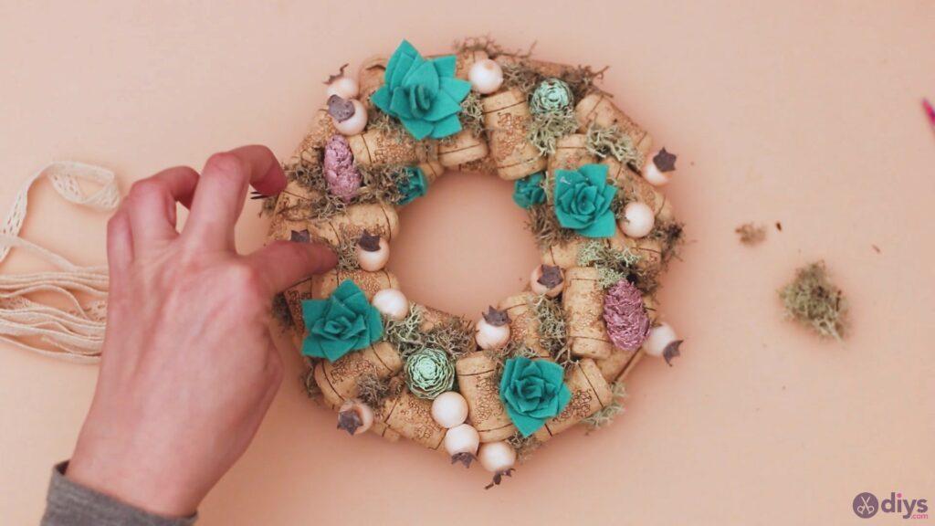 Wine cork wreath (48)