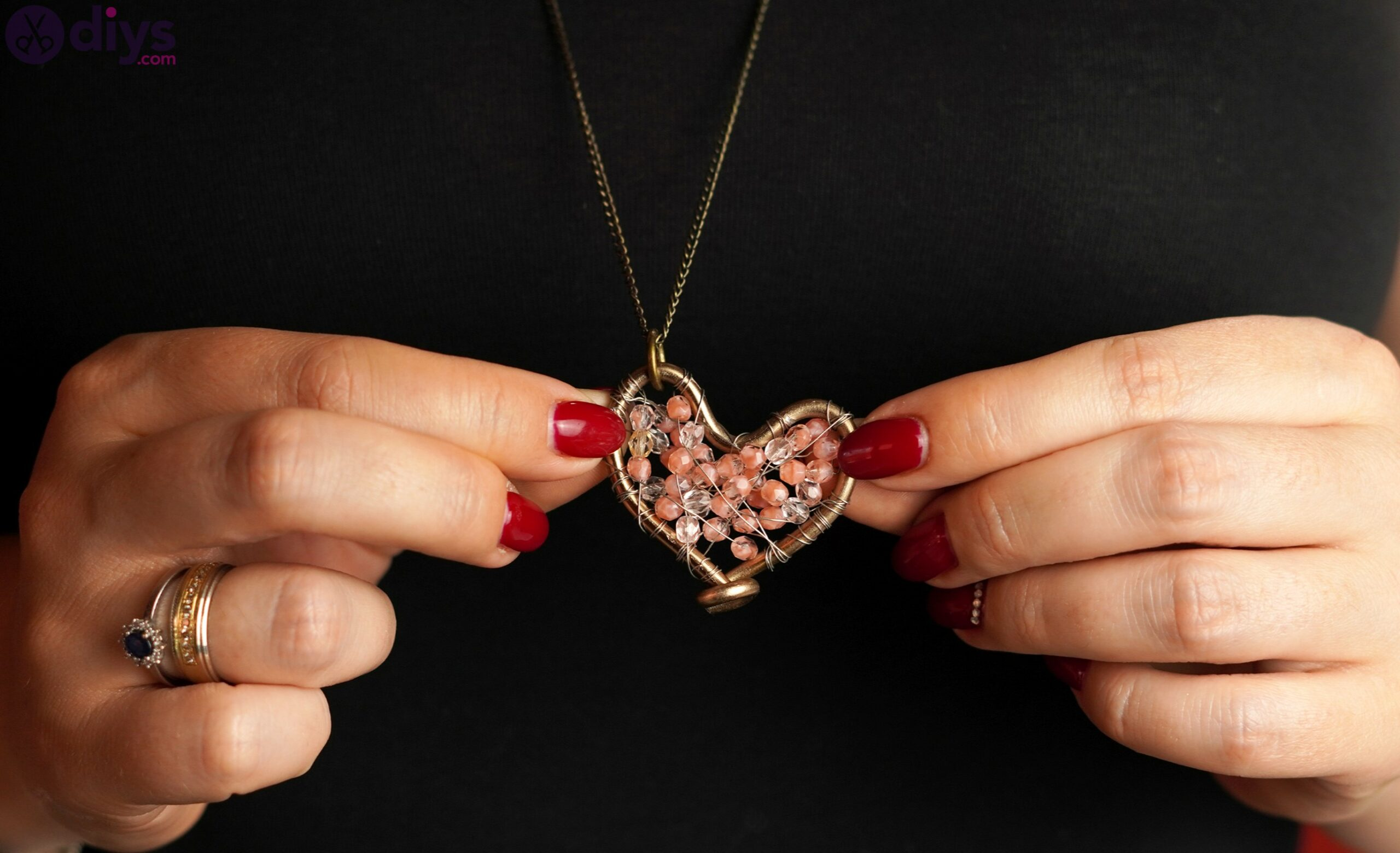 Wire heart with beads photos (1)