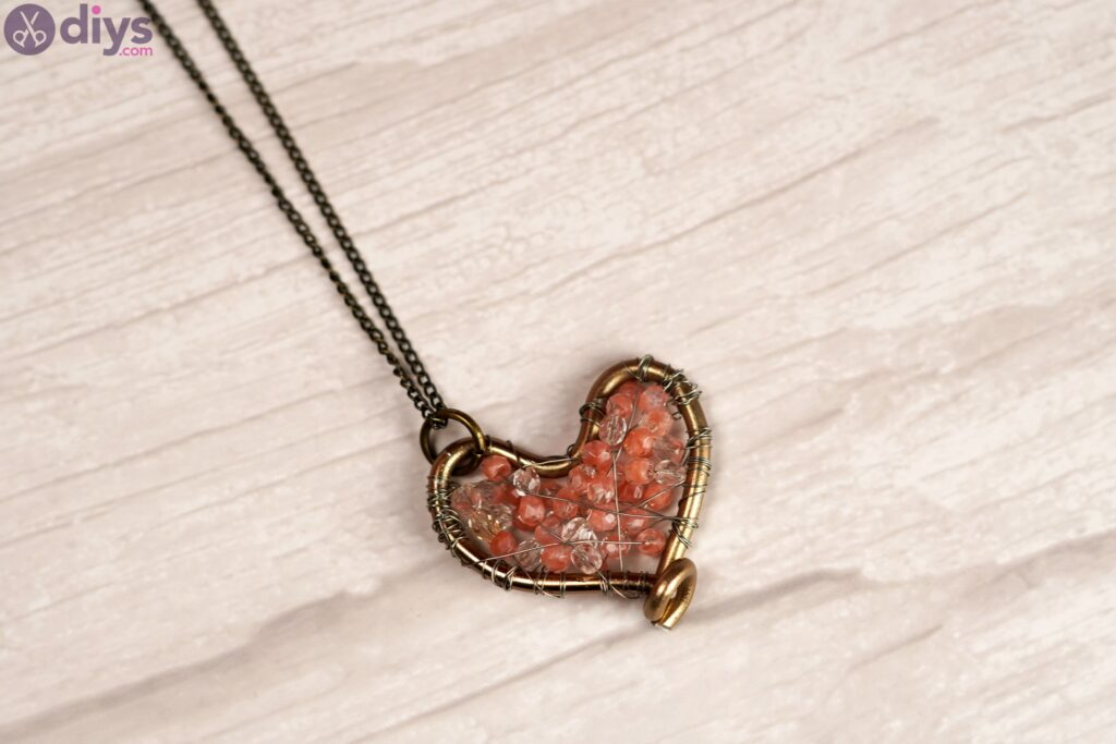 Wire heart with beads photos (6)