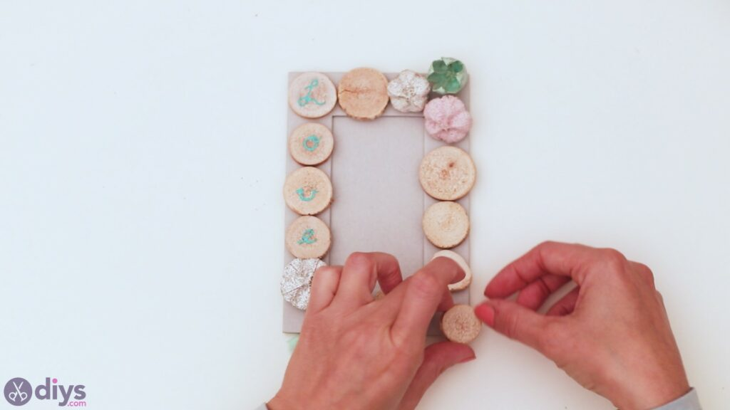 Wooden photo frame (13)