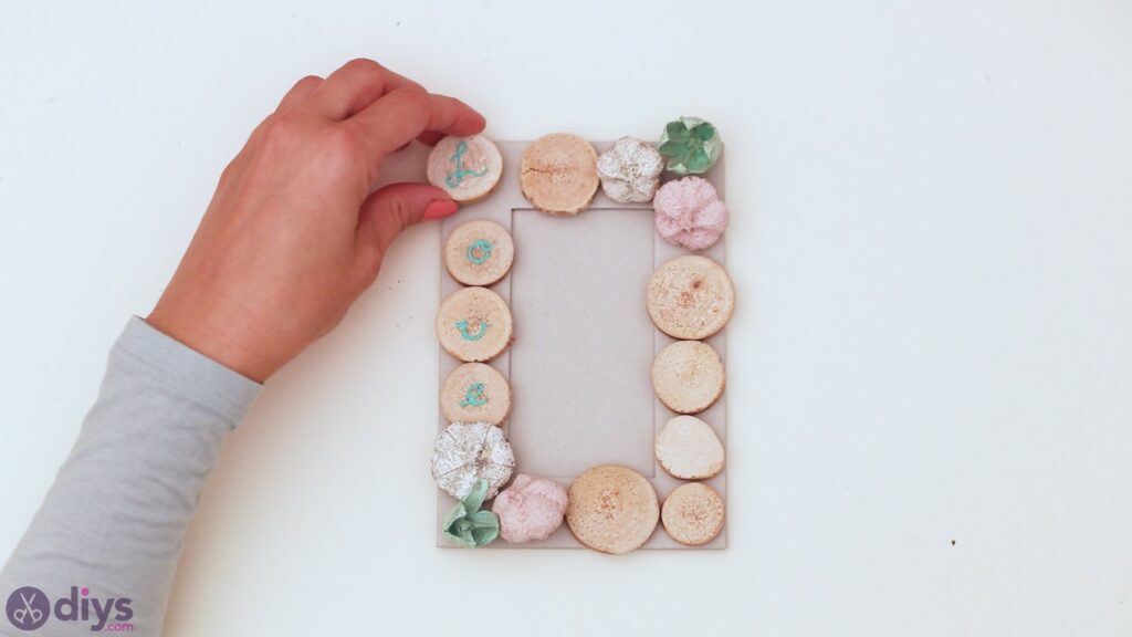Wooden photo frame (15)
