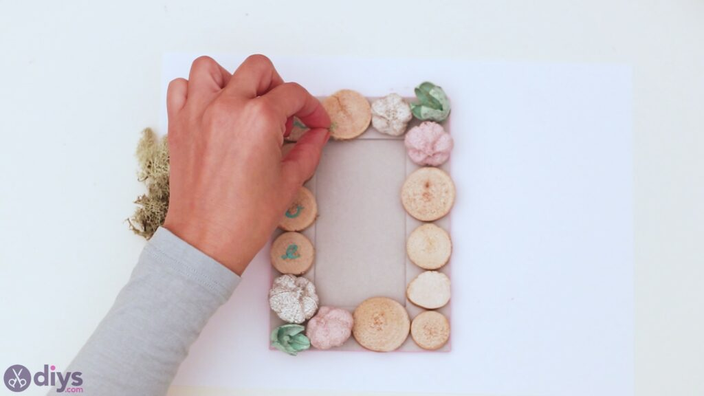 Wooden photo frame (21)