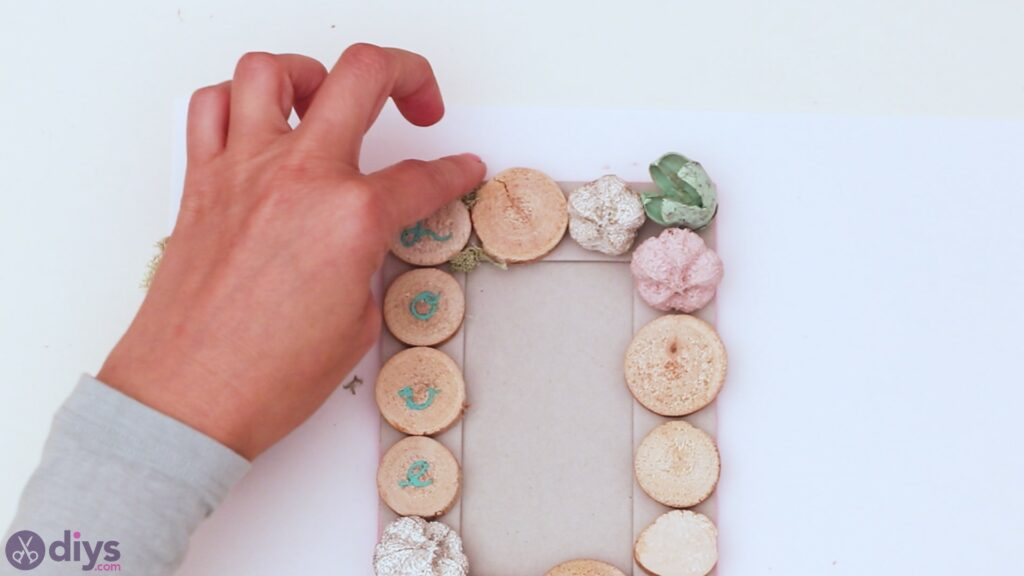 Wooden photo frame (23)