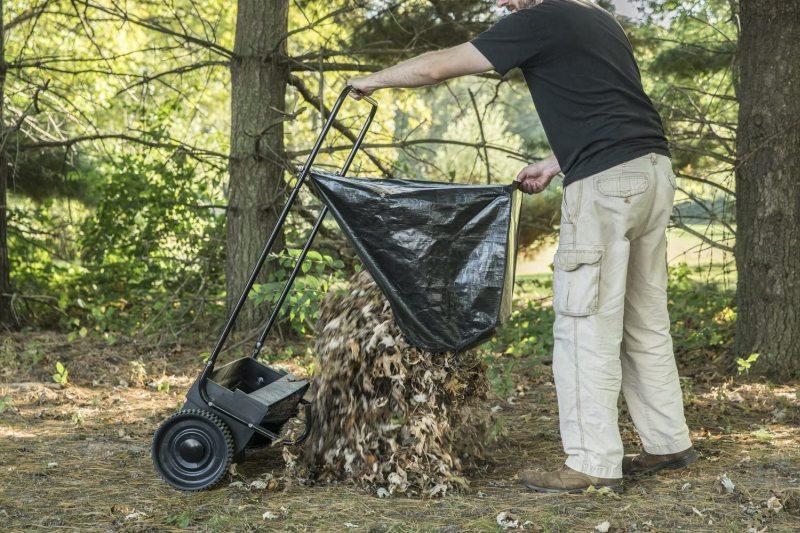 Agri fab 45 0218 26 inch push lawn sweepe