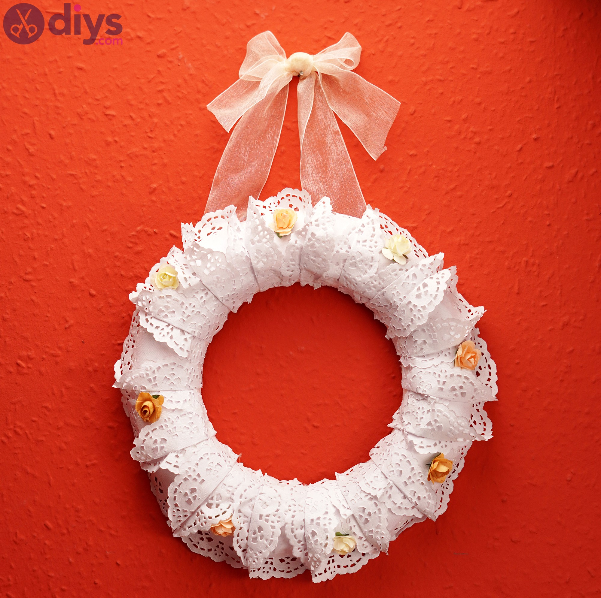 Doily wreath pics (8)