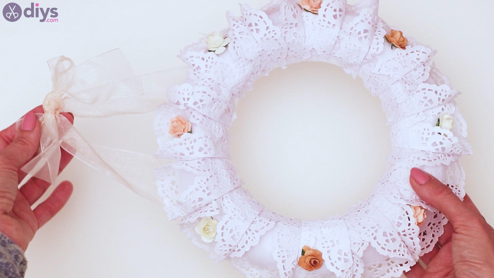 Doily wreath steps (42)