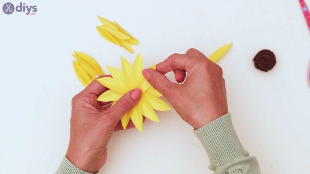 Fall sunflower wall art steps (42)
