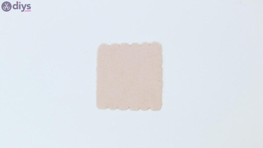 Felt card holder steps (11)