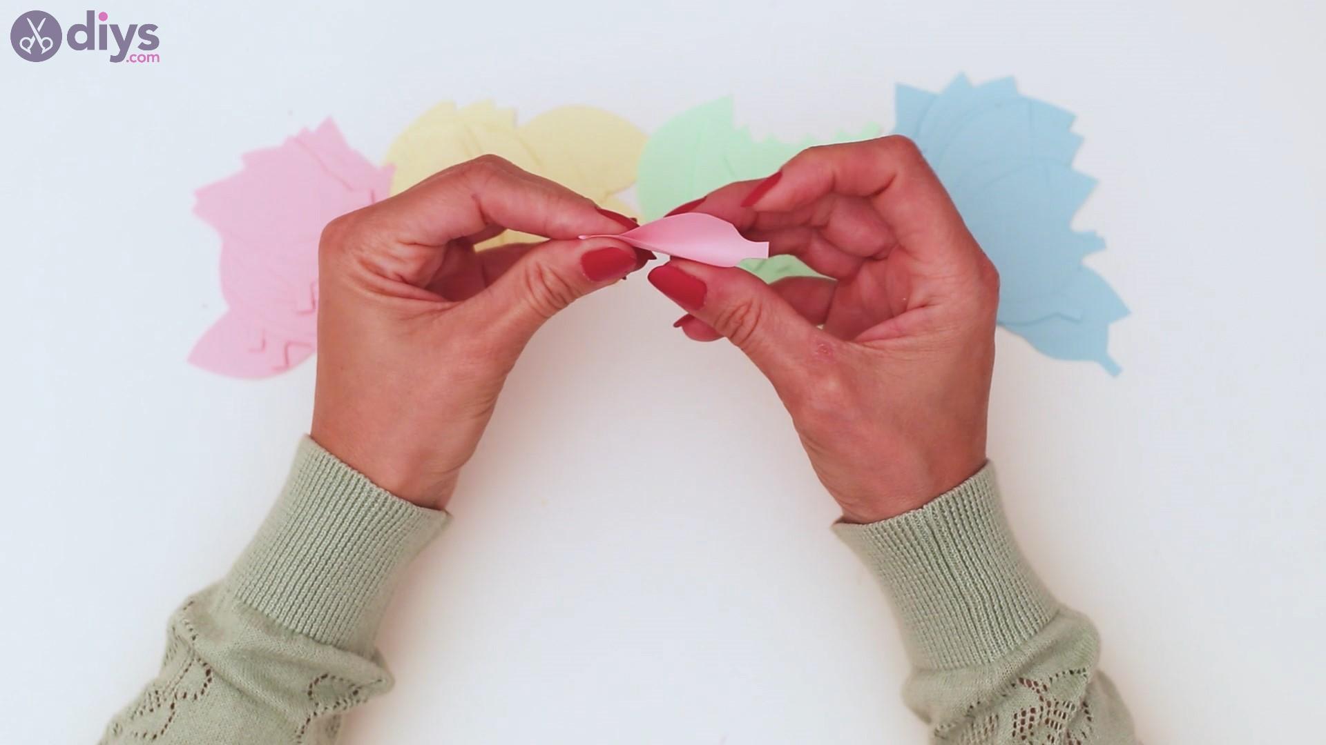 Paper flower wreath steps (17)