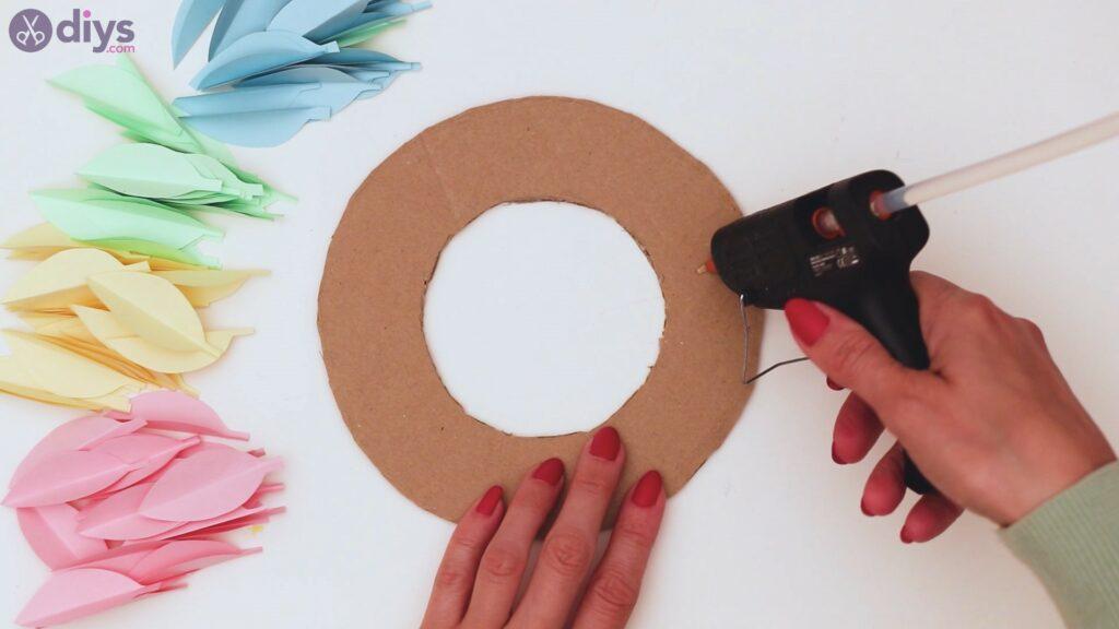 Paper flower wreath steps (20)