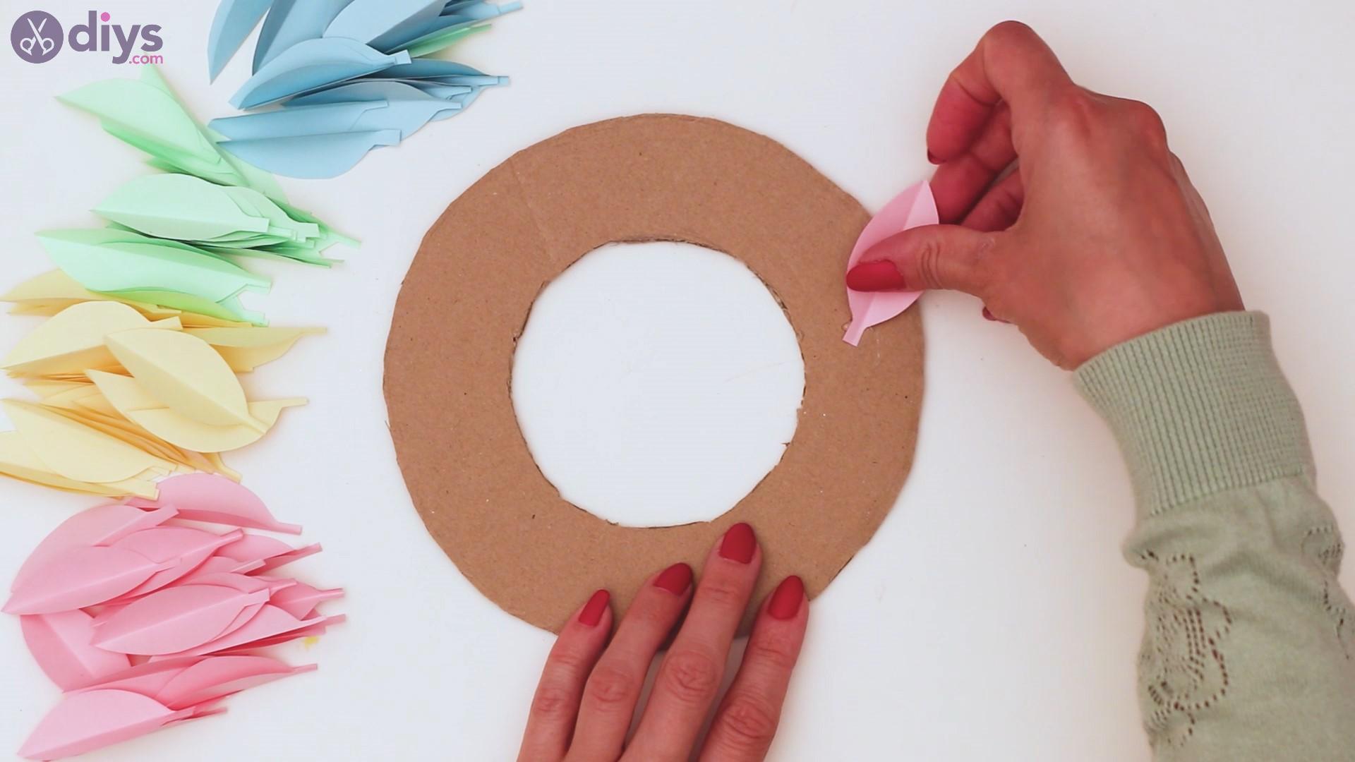 Paper flower wreath steps (21)