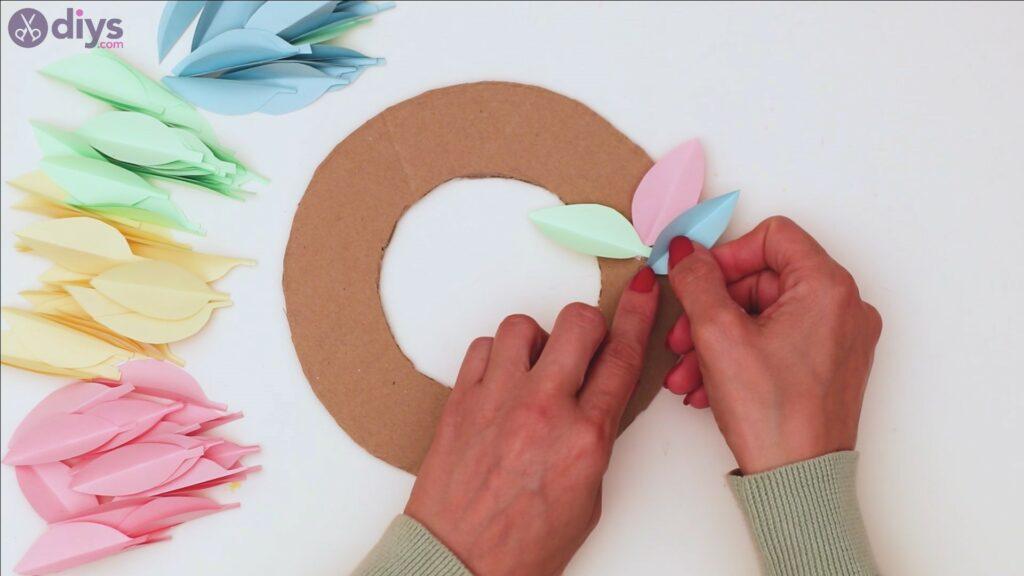 Paper flower wreath steps (24)