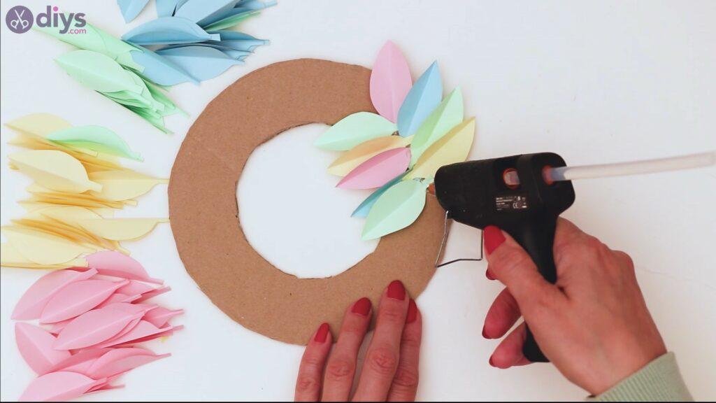 Paper flower wreath steps (25)