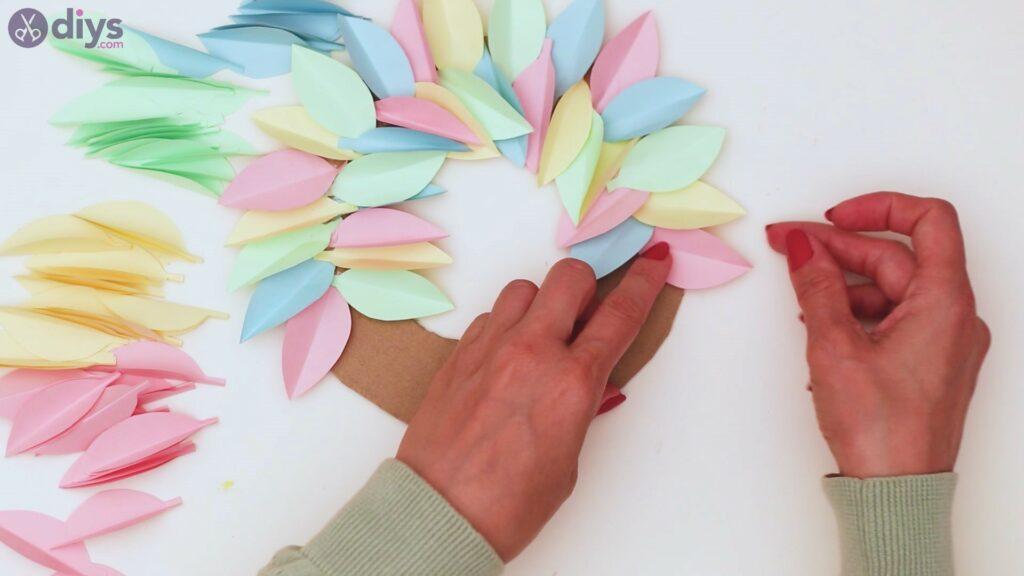 Paper flower wreath steps (26)