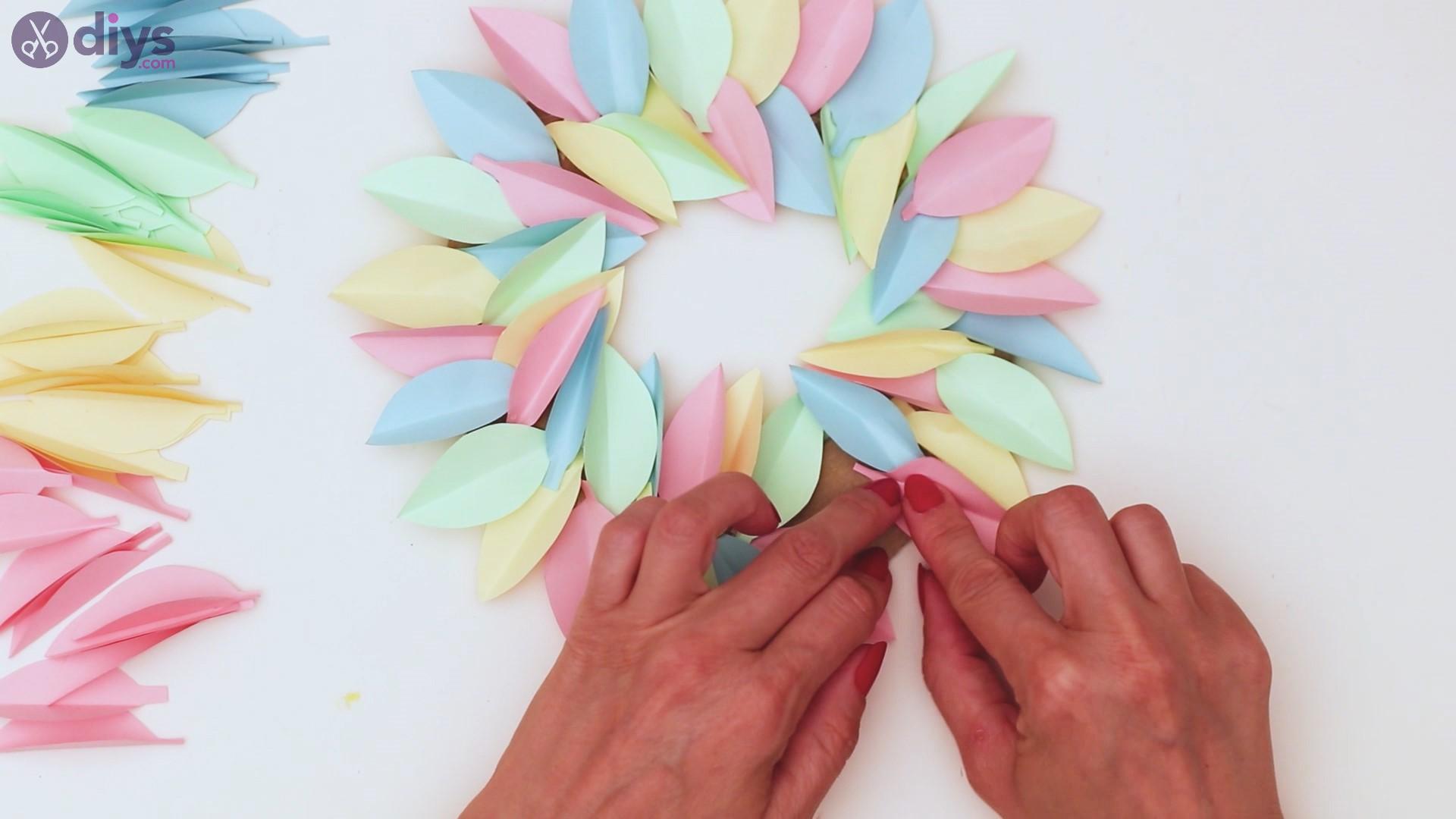 Paper flower wreath steps (30)