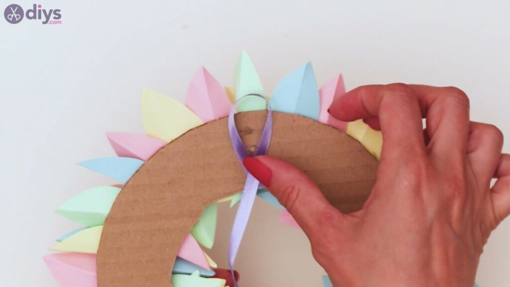 Paper flower wreath steps (34)