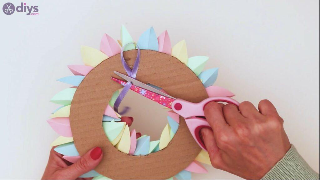 Paper flower wreath steps (35)