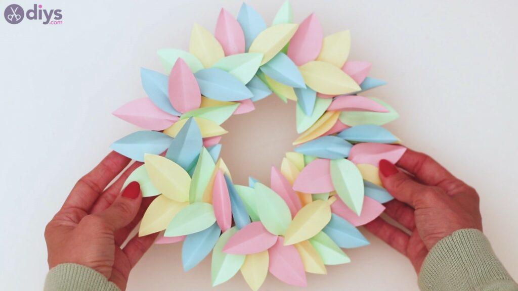 Paper flower wreath steps (36)