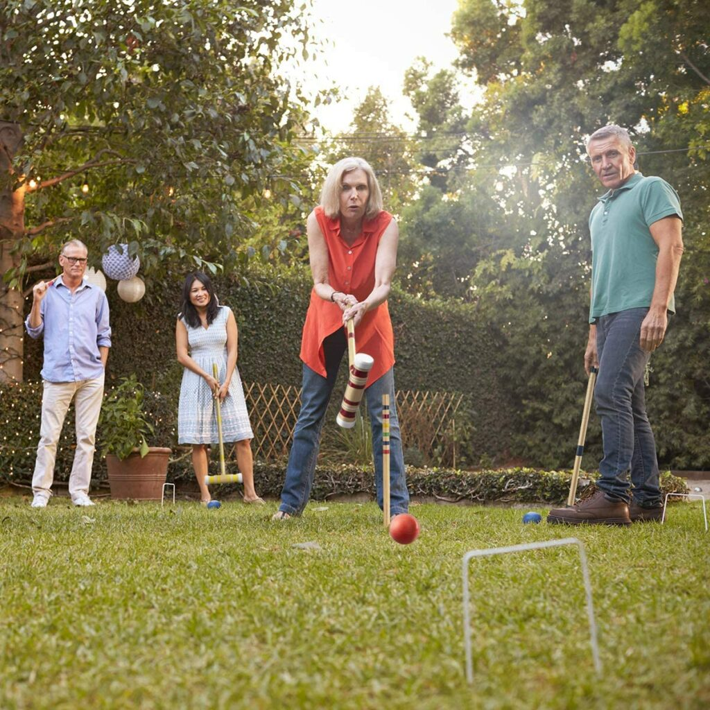 Ropoda six player croquet set with wooden mallets