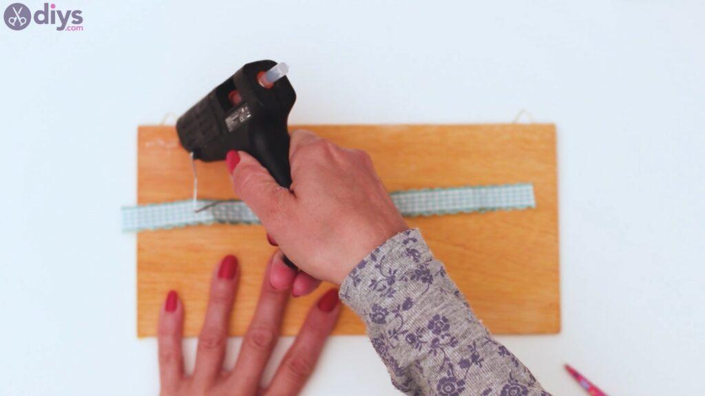 Rustic wooden memo board steps (19)