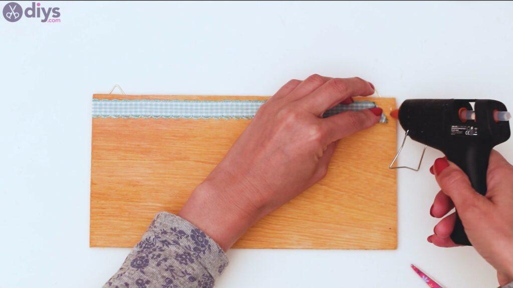 Rustic wooden memo board steps (23)