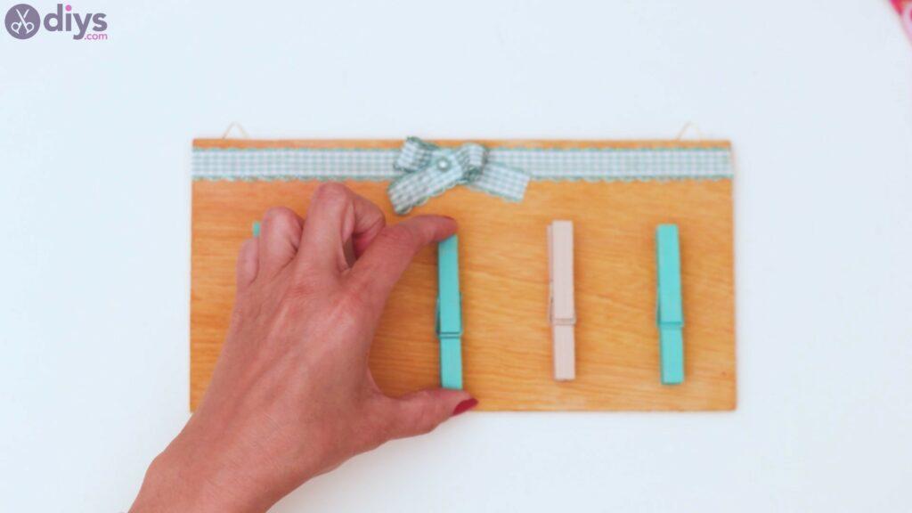 Rustic wooden memo board steps (40)