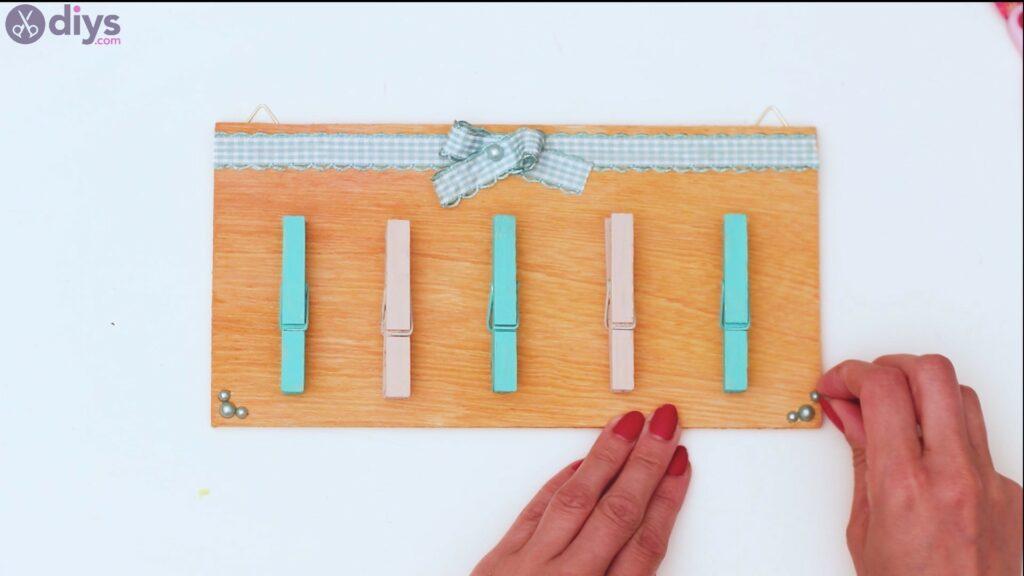 Rustic wooden memo board steps (46)