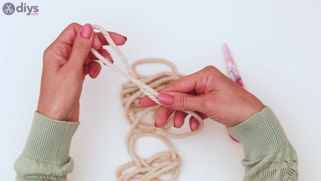 Textile keyring steps (1)