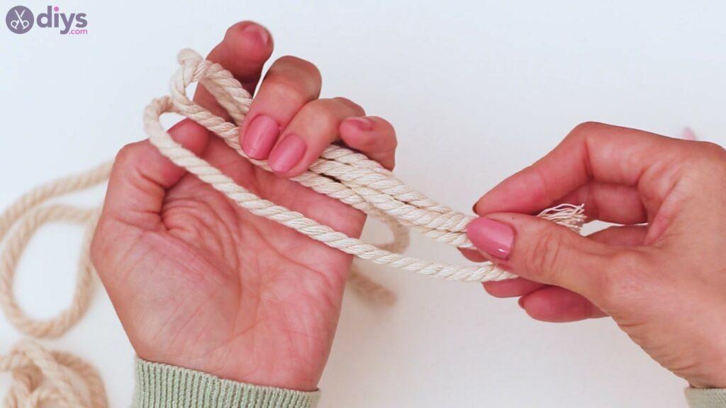 Textile keyring steps (2)