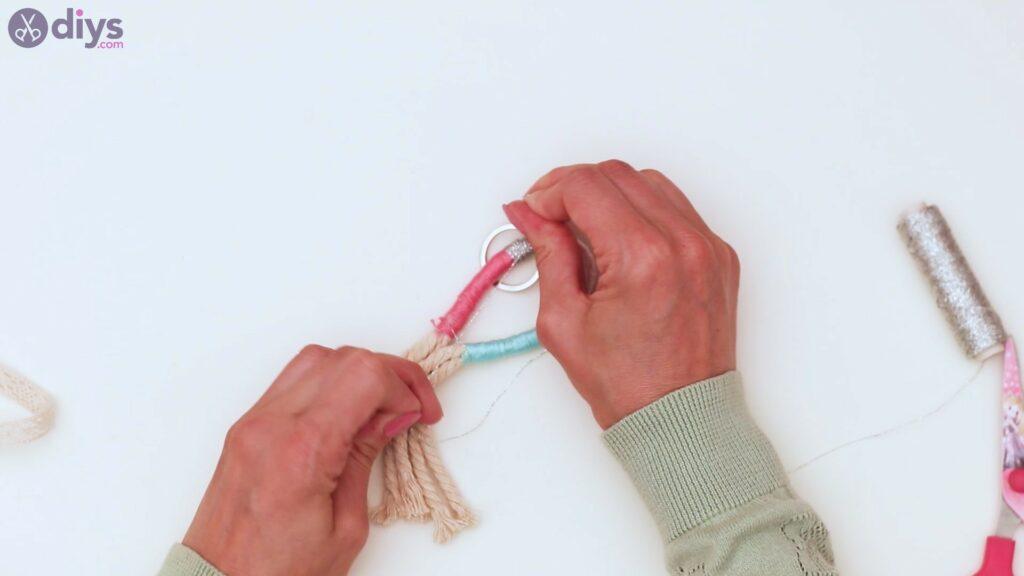 Textile keyring steps (30)