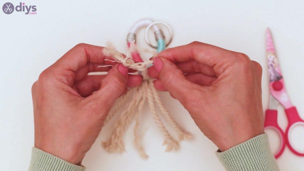 Textile keyring steps (34)