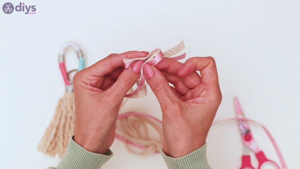 Textile keyring steps (36)