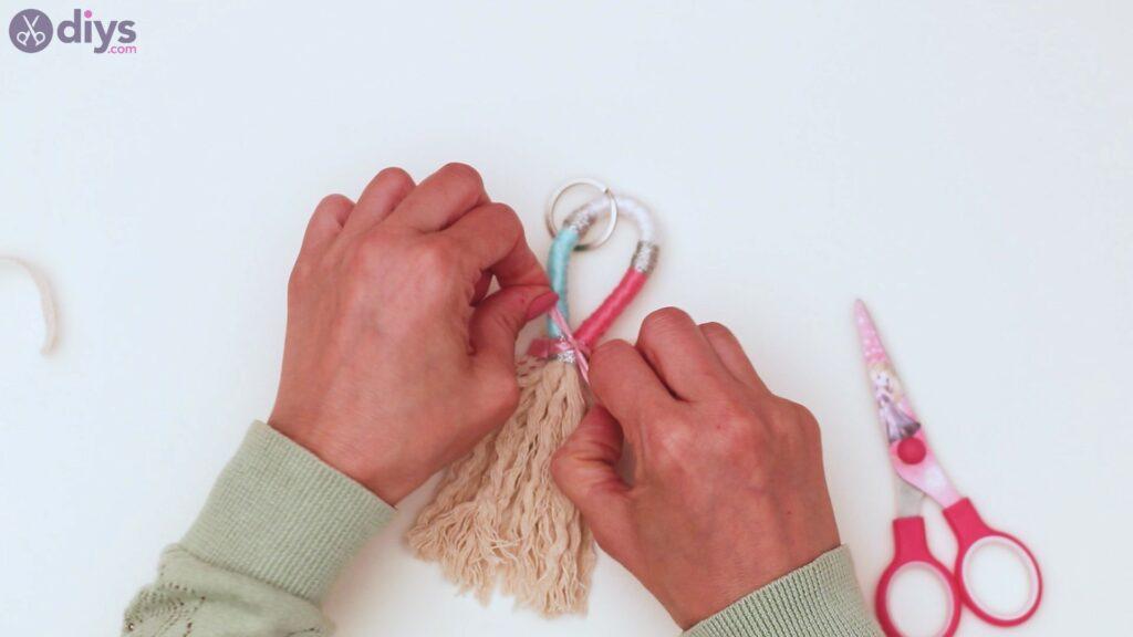 Textile keyring steps (40)