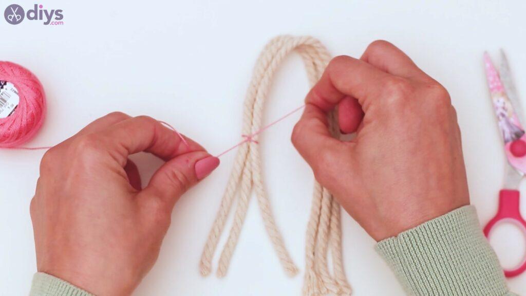 Textile keyring steps (6)