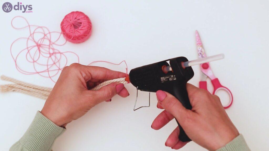 Textile keyring steps (7)