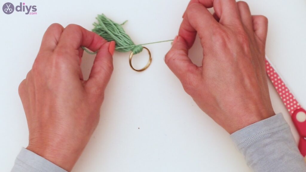 Wooden bead key chain steps (18)