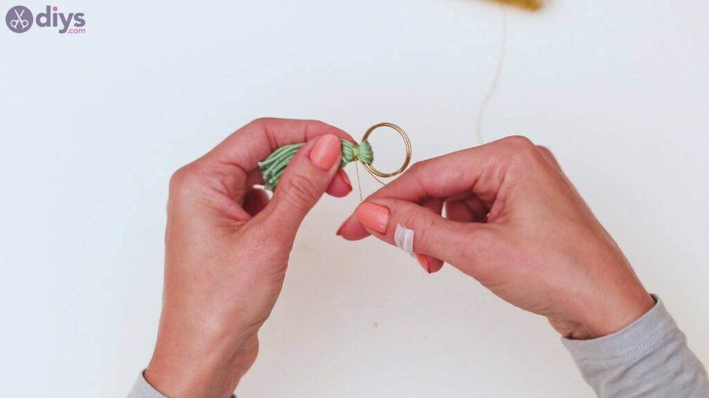 Wooden bead key chain steps (20)