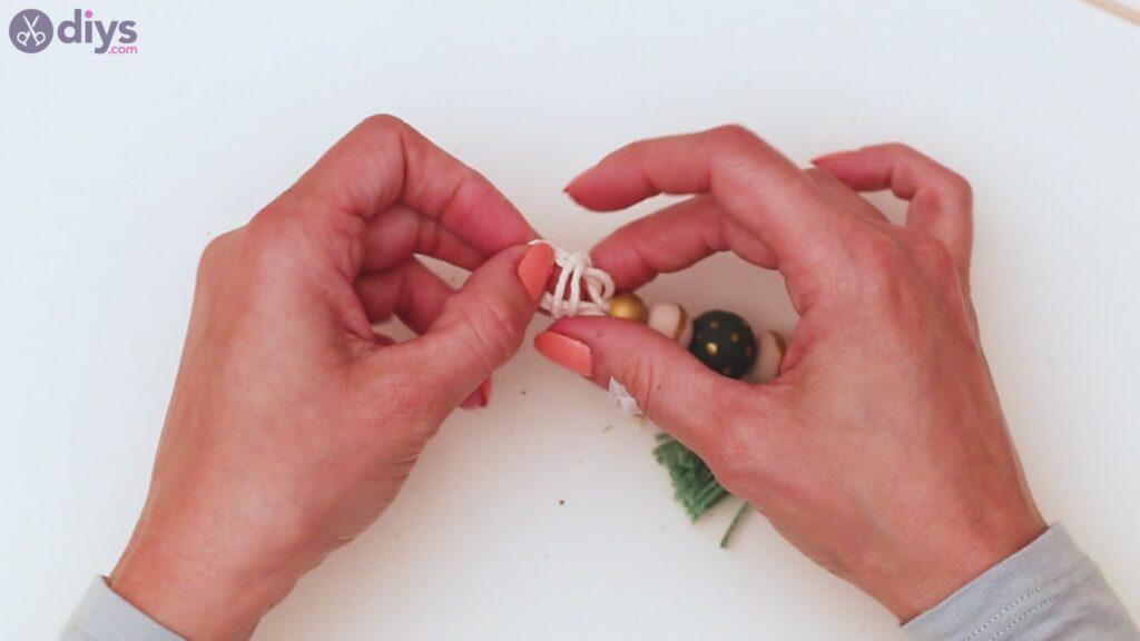 Wooden bead key chain steps (33)
