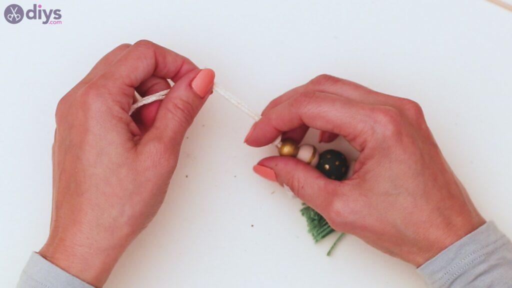 Wooden bead key chain steps (34)
