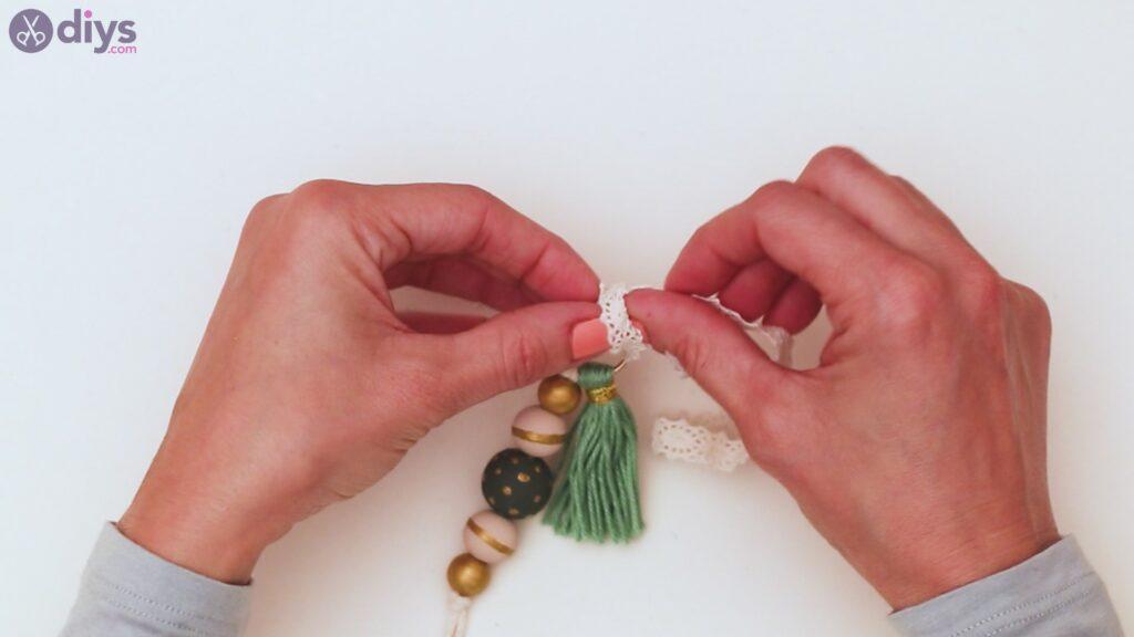 Wooden bead key chain steps (37)