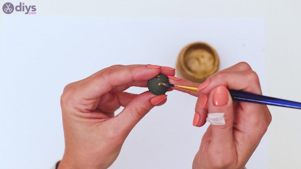 Wooden bead key chain steps (7)