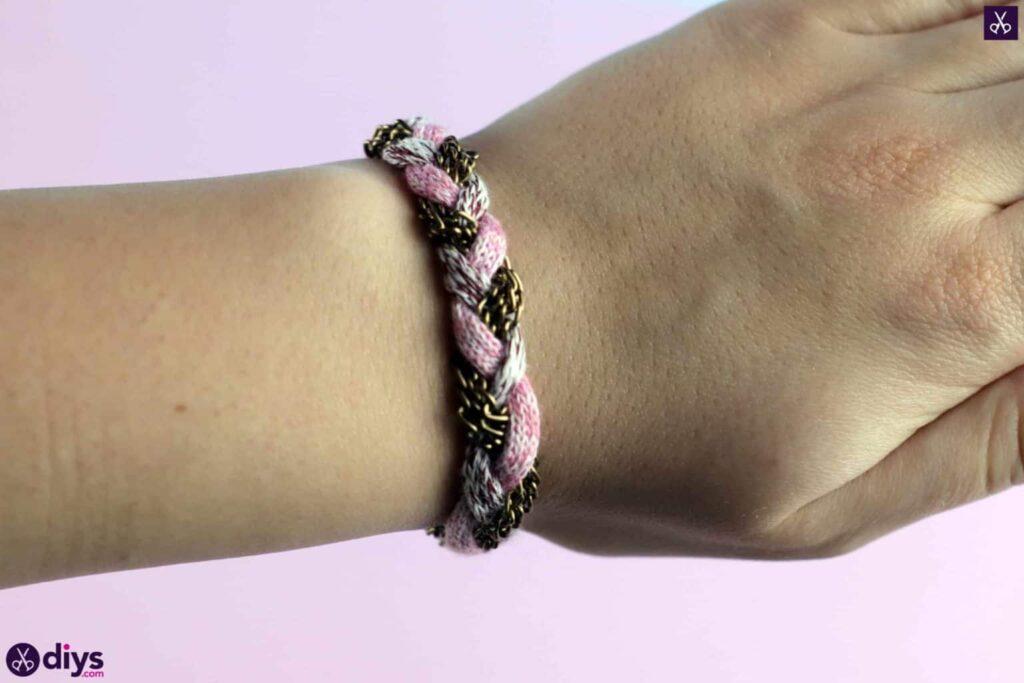 Yarn and chain