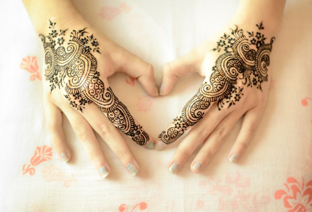 Mirrored henna tattoo