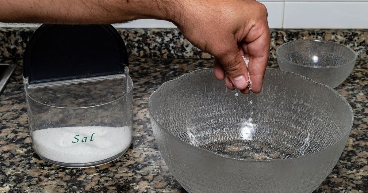 prepare apples for freezing with salt water