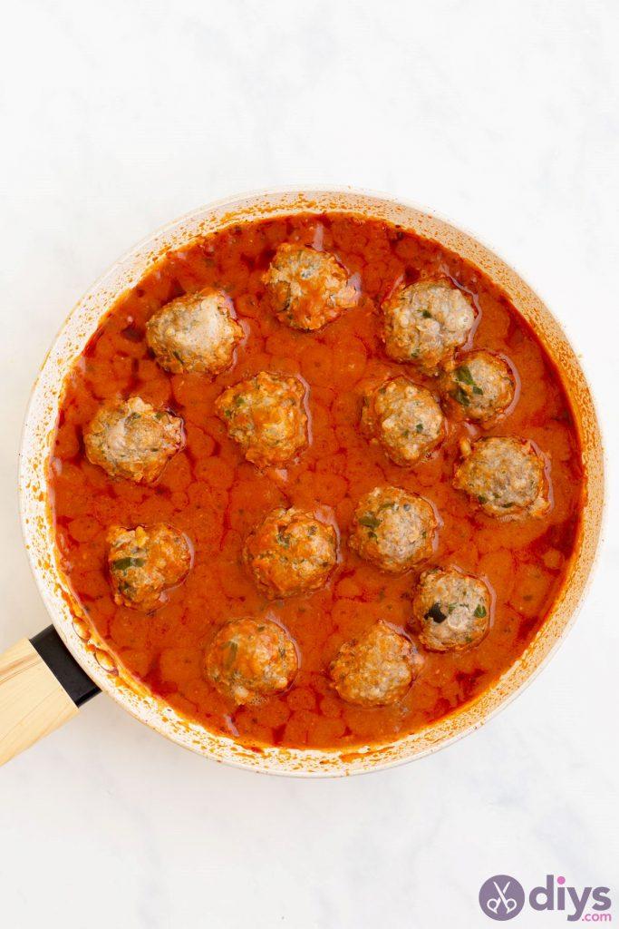 Baked cheesy keto meatballs 4