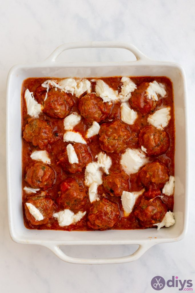 Baked cheesy keto meatballs 5